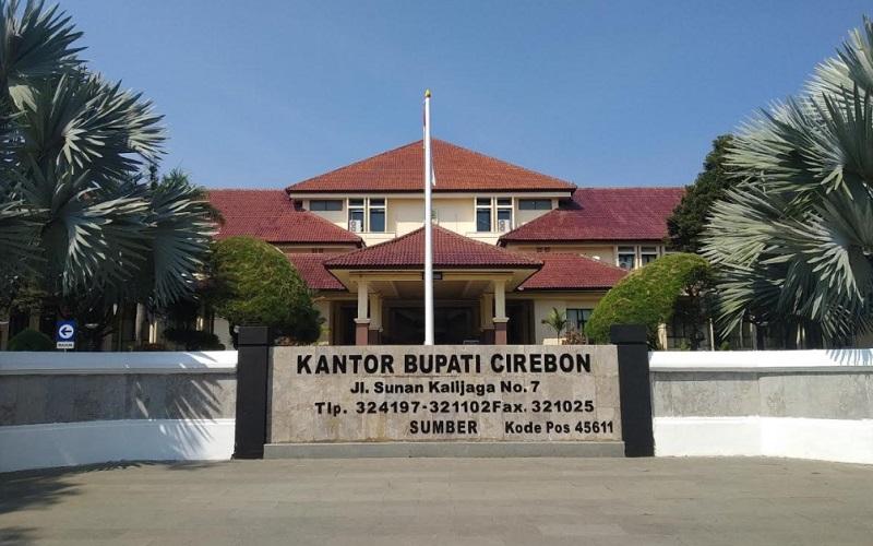 Kantor Bupati Cirebon, Jalan Sunan Kalijaga, Kecamatan Sumber, Kabupaten Cirebon. - Bisnis/Hakim Baihaqi