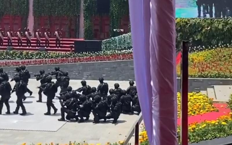 Demo kekuatan Pasukan Rajawali BIN