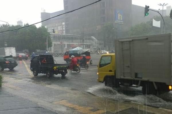 Jakarta diguyur hujan - Antara