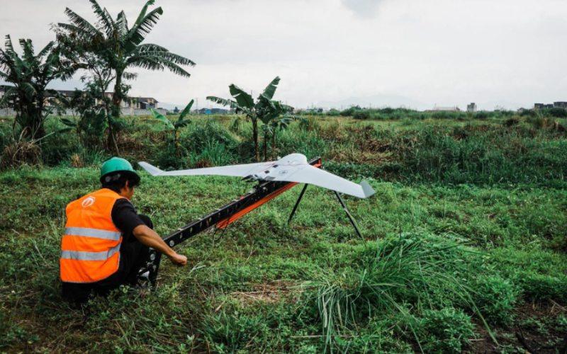 Drone Bramor ppX dari C-Astral Aerospace. Pesawat nirawak dalam sektor tambang sudah sejak lama digunakan dan kini aplikasinya terus berkembang.  - Terra Drone