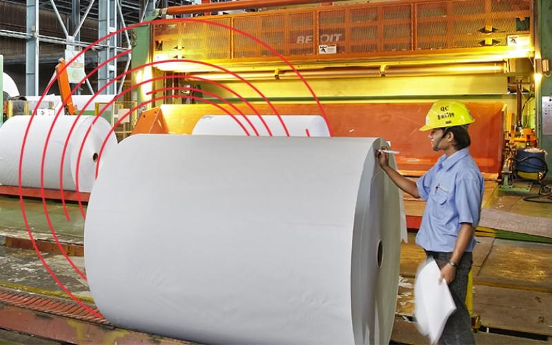 Suasana pabrik kertas di salah satu fasilitas Asian Pulp and Paper (APP), perusahaan yang membawahkan PT Pindo Deli Pulp and Paper Mills, induk dari Lontar Papyrus.  - asianpulppaper