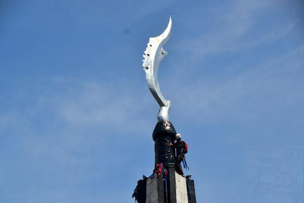Ilustrasi-Tugu Kujang di pusat Kota Bogor, Jawa Barat - Antara/M.Tohamaksun