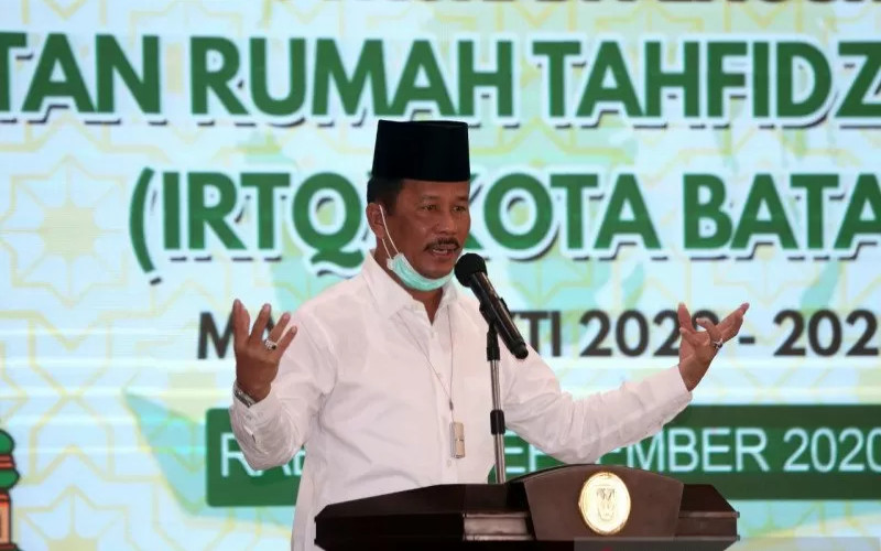 Wali Kota Batam Muhammad Rudi. Batam kini tengah berada di titik nadir sebagai dampak pandemi. Beberapa sektor penggerak ekonomi, seperti industri, perdagangan, dan pariwisata, banyak yang masih menunggu dan mengamati perkembangan. ANTARA
