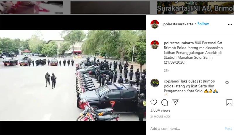 800 Pasukan Brimob melakukan gelar pasukan di Stadion Manahan Solo, Senin 21 September 2020. Foto: Insgtagram polrestasurakarta