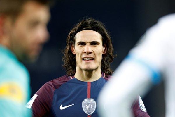 Striker Paris Saint-Germain Edinson Cavani - Reuters/Charles Platiau