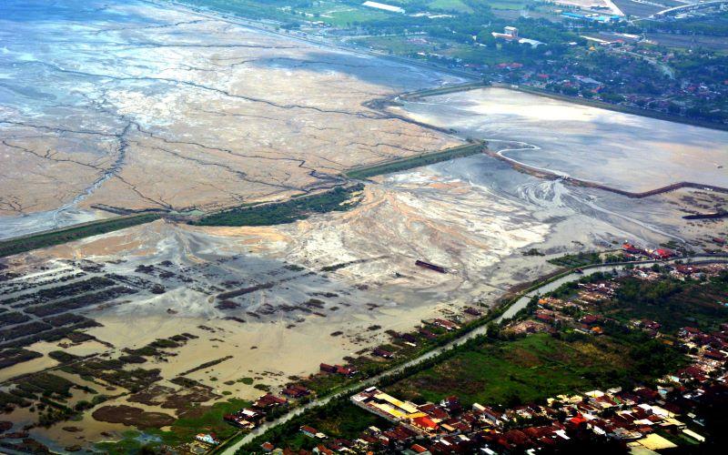 Area terdampak lumpur di area pengeboran minyak Brantas yang dikelola Lapindo
