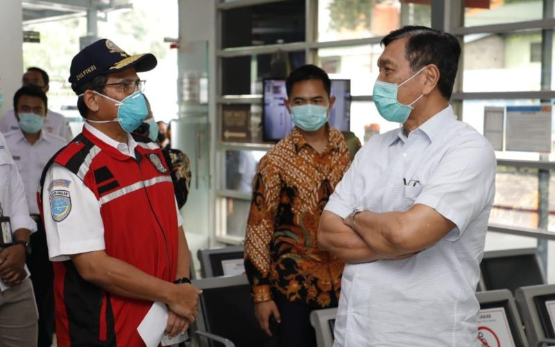 Menteri Koordinator Bidang Kemaritiman dan Investasi Luhut Binsar Pandjaitan yang juga sebagai Plt Menteri Perhubungan, melakukan inspeksi mendadak. - istimewa