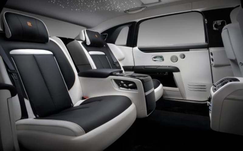 IRRA Rolls-Royce Perkenalkan Ghost Extended Baru, Lapang dan Canggih - Otomotif Bisnis.com
