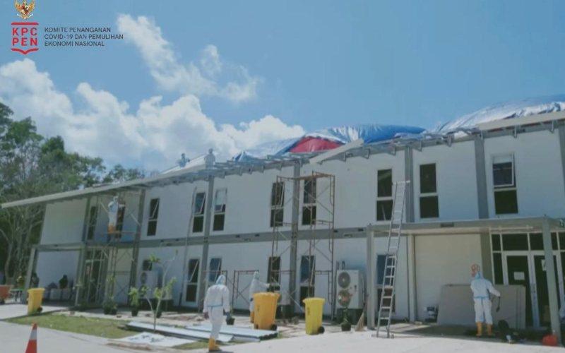 Rumah Sakit Khusus Infeksi (RSKI) Pulau Galang dalam proses renovasi setelah tertiup angin puting beliung. - Youtube BNPB