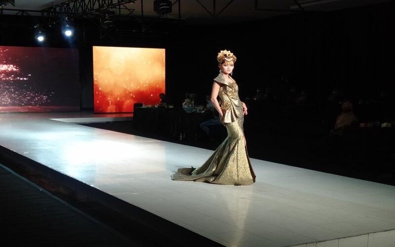 Fashion show di BBPLK Semarang. - Bisnis/Alif