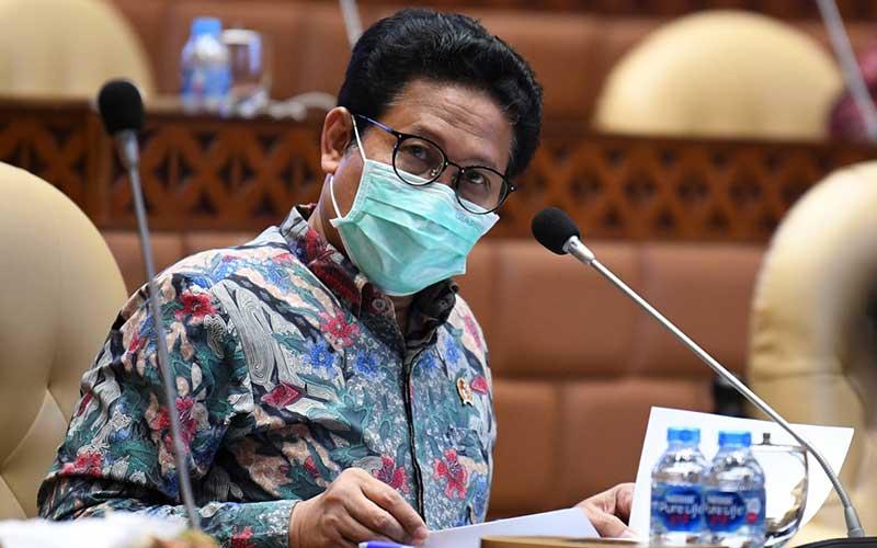 Menteri Desa, Pembangunan Daerah Tertinggal, dan Transmigrasi (PDTT) Abdul Halim Iskandar mengikuti rapat kerja dengan Komisi V DPR di Kompleks Parlemen Senayan, Jakarta, Kamis (24/9/2020)./Antara - Puspa Perwitasari