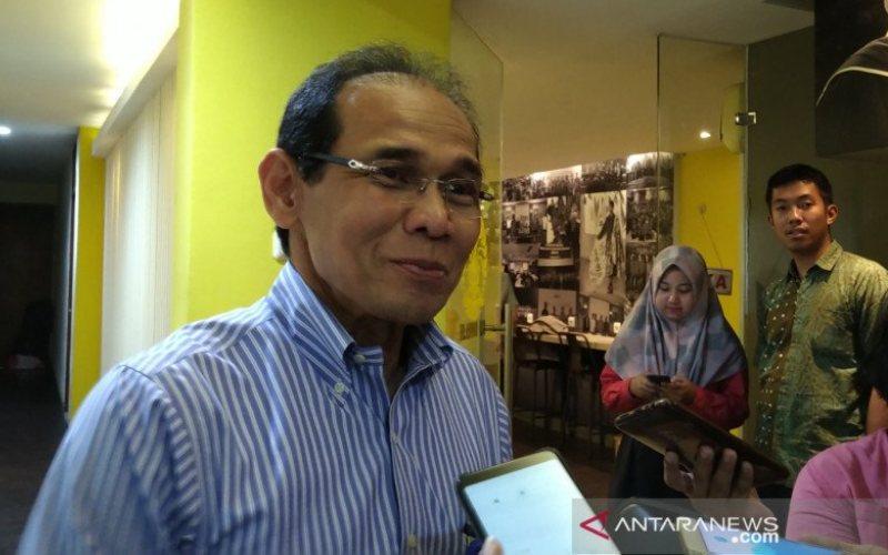 Guru Besar FKUI Prof Akmal Taher memberikan keterangan usai menghadiri diskusi tentang JKN di FKUI Salemba Jakarta, Rabu (11/12/2019). (FOTO ANTARA - Aditya Ramadhan)