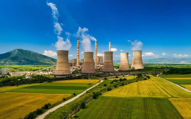 Ilustrasi PLTU berteknologi maju ultra supercritical boiler (USC) dan ramah lingkungan. - Shutterstock