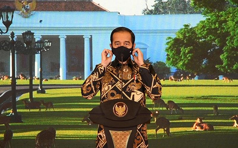 Presiden Joko Widodo saat memberikan keterangan tentang perkembangan realisasi program Pemulihan Ekonomi Nasional (PEN) di Istana Kepresidenan Bogor, Jawa Barat pada Sabtu (26/9 - 2020). Biro Pers, Media, dan Informasi Sekretariat Presiden