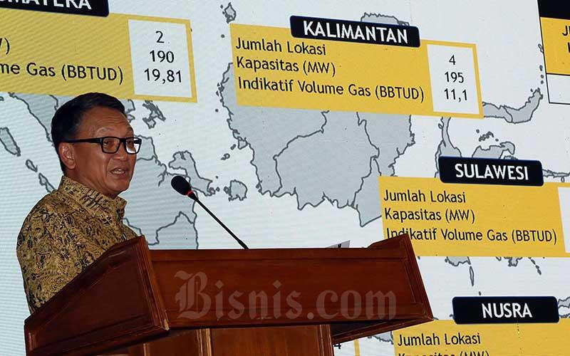 Menteri Energi dan Sumber Daya Mineral (ESDM) Arifin Tasrif menyampaikan kuliah umum mengangkat tema Kebijakan dan Program Strategis ESDM di Aula Barat Institut Teknologi Bandung (ITB), Bandung, Jawa Barat, Rabu (4/3/2020). Bisnis - Rachman