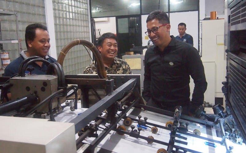 Direktur Utama Perum PNRI, B. Sigit Yanuar Gunarto melakukan kunjungan kerja ke Kantor Cabang Perum PNRI Surabaya, 4 Maret 2020. - pnri.co.id