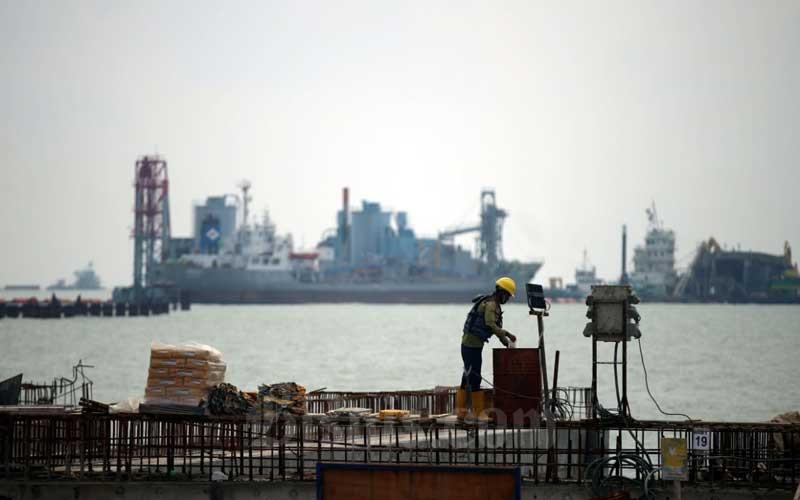 Aktivitas pembangunan Pelabuhan Patimban di Kabupaten Subang, Jawa Barat, Selasa (23/6/2020)./Bisnis - Rachman