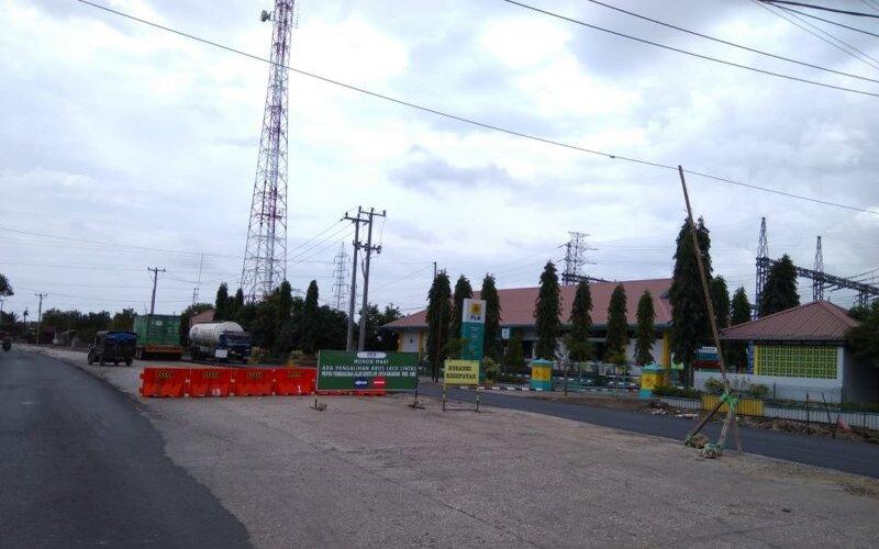 Suasana lokasi proyek kereta api menuju kawasan wisata karst Rammang-Rammang, di Kabupaten, Maros, Sulsel, Senin (21/9/2020) - Antara