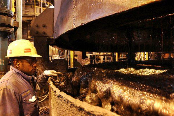 Pekerja tambang PT Freeport Indonesia di Papua. - Bloomberg/Dadang Tri