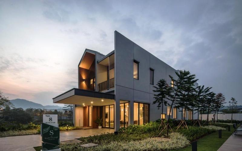 Rumah contoh yang ada di kawasan The Sanctuary Collection di Sentul, Bogor. - Istimewa