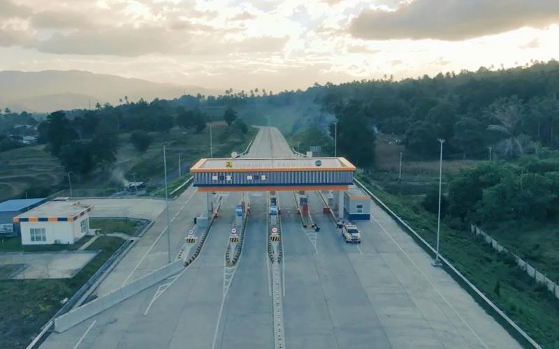 Salah satu gerbang tol di jalan tol Manado--Bitung sepanjang 40 kilometer. - Tangkapan Layar, saluran Youtube PTPP