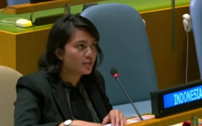 Tangkapan layar diplomat yang bertugas di PTRI New York, Silvany Austin Pasaribu, mewakili Indonesia saat menyampaikan hak jawab di Sidang Umum PBB, Sabtu (26/9/2020) - Antara/Yashinta Difa