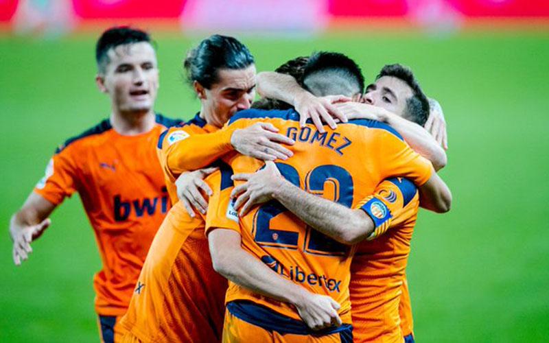 Para pemain Valencia selepas menjebol gawang Sociedad. - Twitter@valenciacf