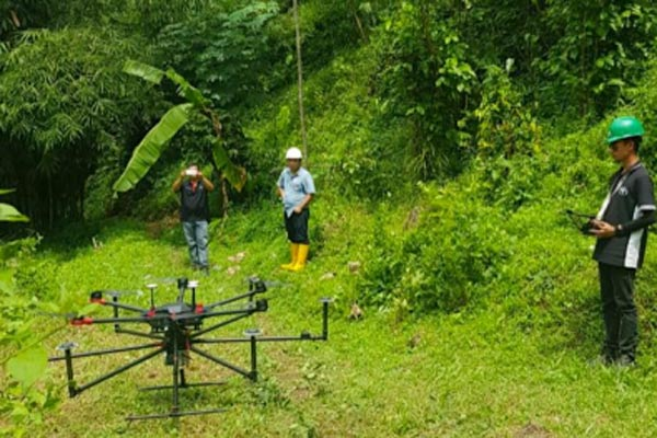 Teknologi drone LiDAR secara perlahan sudah mulai banyak digunakan dalam pembangunan infrastruktur, khususnya survei dan pengambilan data di wilayah pengerjaan konstruksi.  - Terra Drone