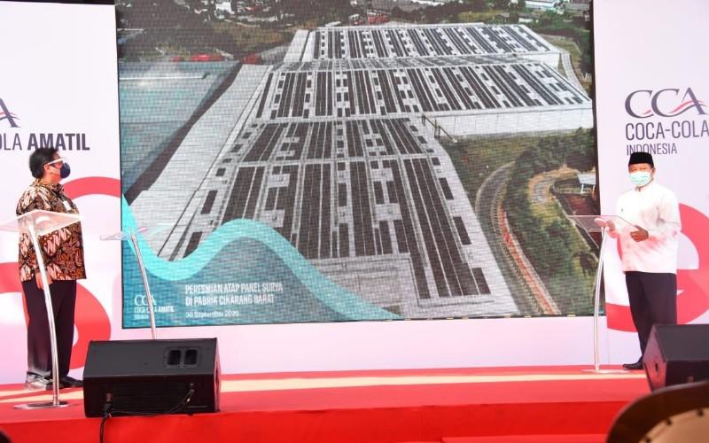 Peresmian atap solar panel di Pabrik Coca Cola Amatil, Desa Sukadanau, Kecamatan Cikarang Barat, Kabupaten Bekasi