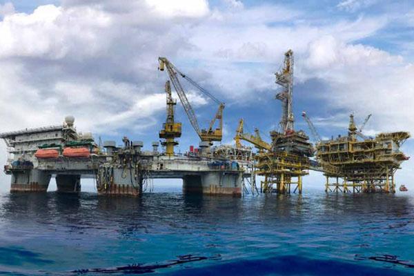 Akticitas pengeboran migas PT Medco Energi Internasional Tbk. (MEDC) di Laut Natuna Selatan. - MedoEnergi.com
