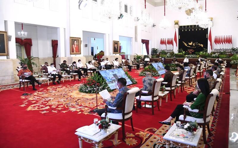 Presiden Joko Widodo dalam Sidang Kabinet Paripurna mengenai Penanganan Kesehatan dan Pemulihan Ekonomi untuk Penguatan Reformasi Tahun 2021 yang digelar di Istana Negara, Jakarta, pada Senin, 7 September 2020. - Biro Pers Sekretariat Presiden/Lukas