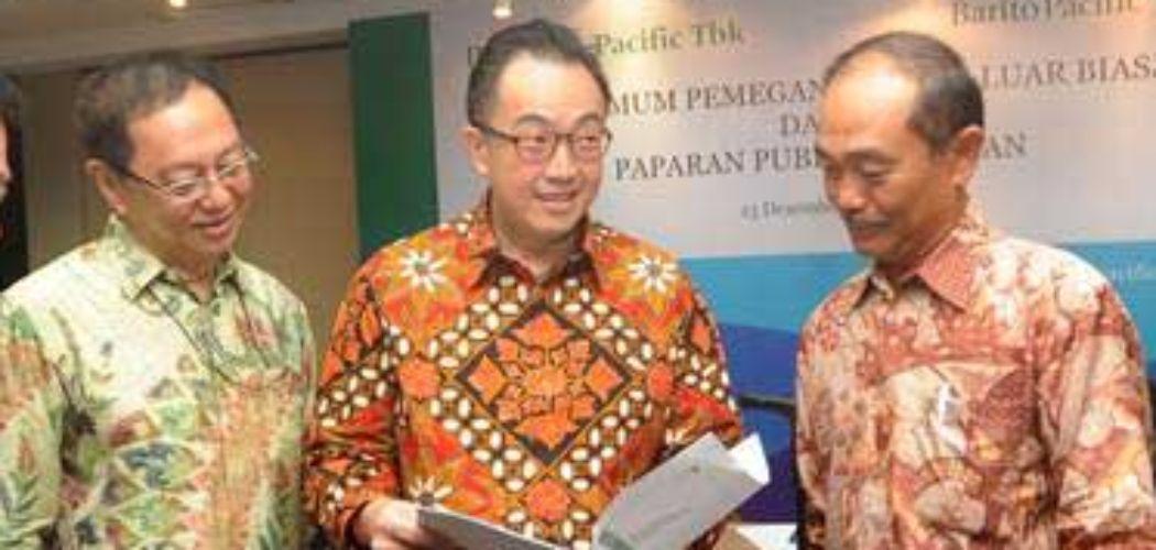 Diretur Utama PT Barito Pacific Tbk Agus Salim Pangestu (tengah).  - ANTARA_Audy Alwi
