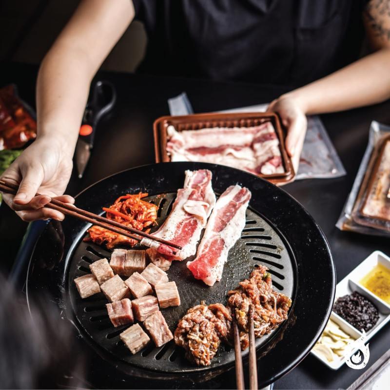 Memasak makanan ala Korea di rumah. - istimewa