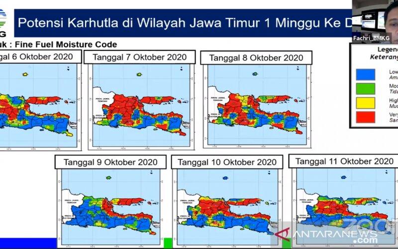 Tangkapan layar - Analisa potensi karhutla di Pulau Jawa oleh BMKG yang dipresentasikan oleh Kepala Pusat Meteorologi Publik BMKG Fachri Radjab dalam konferensi pers virtual KLHK di Jakarta, Selasa (6/10/2020). - Antara/Prisca Triferna