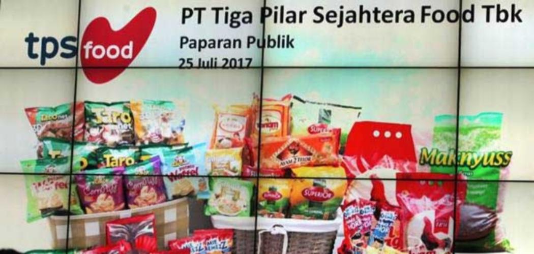 Wartawan menghadiri jumpa pers yang digelar oleh PT Tiga Pilar Sejahtera Food TBK terkait PT Induk Beras Unggul (IBU) pada kasus beras oplosan, di Bursa Efek Indonesia, Jakarta, Selasa (25/7/2017). - ANTARA FOTO/Muhammad Adimaja