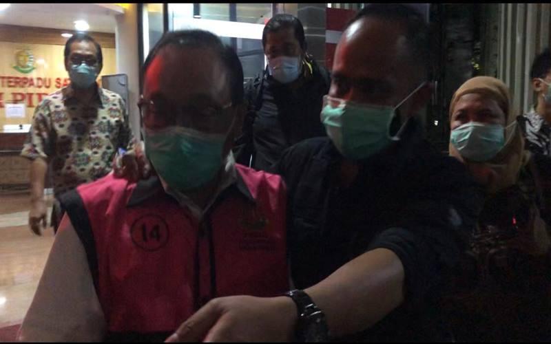 Penyidik Kejaksaan Agung (Kejagung) menetapkan eks Direktur Utama PT BTN Maryono, Selasa (6/10). - Istimewa
