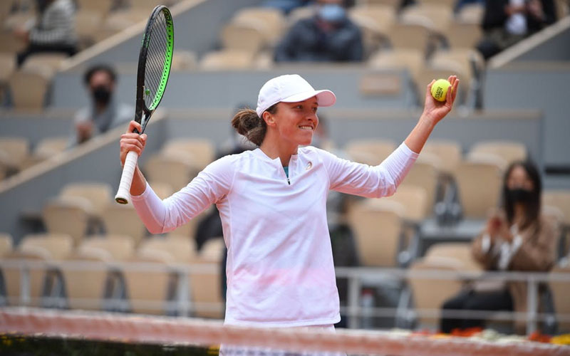 Petenis Polandia Iga Swiatek setelah menundukkan Nadia Podoroska di semifinal Prancis Terbuka. - RolandGarros.com