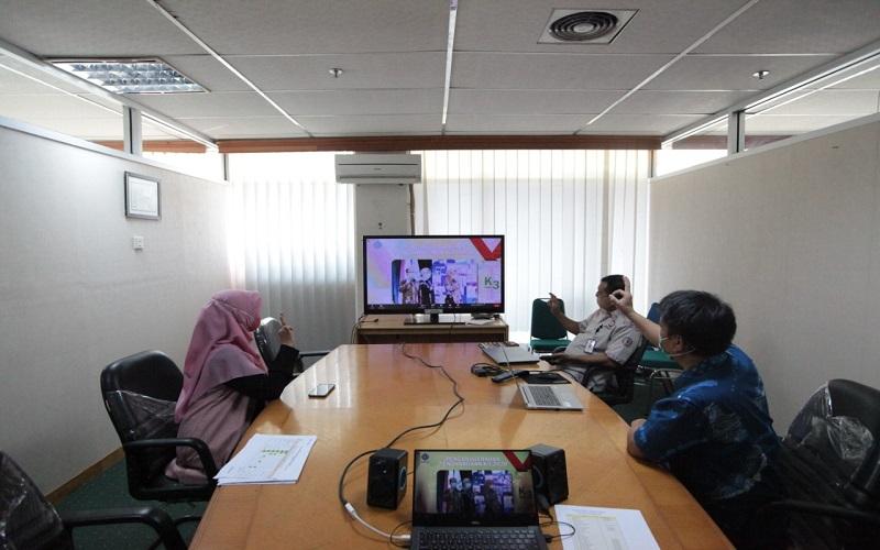 Perwakilan PT. Semen Tonasa mengikuti penyerahan penghargaan SMK3 secara virtual, Kamis (8/10/2020) - Istimewa