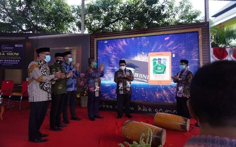 Peluncuran pemanfaatan BNI eduPATROL di Madrasah MTsN 1 Makassar, Jumat 9 Oktober 2020 dan dihadiri langsung oleh Wakil Menteri Agama RI KH. Zainut Tauhid Sa'adi dan Pemimpin BNI Wilayah Makassar Hadi santoso - Istimewa
