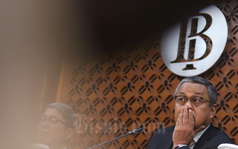 Gubernur Bank Indonesia Perry Warjiyo memberikan penjelasan pada jumpa pers terkait Rapat Dewan Gubernur (RDG) di Jakarta, Kamis (17/1). Bisnis - Nurul Hidayat
