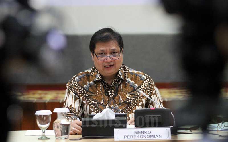 Menteri Koordinator Bidang Perekonomian Airlangga Hartarto memberikan penjelasan mengenai strategi pemulihan ekonomi nasional dan peningkatan pertumbuhan ekonomi di Jakarta, Rabu (5/8/2020). Bisnis - Dedi Gunawan