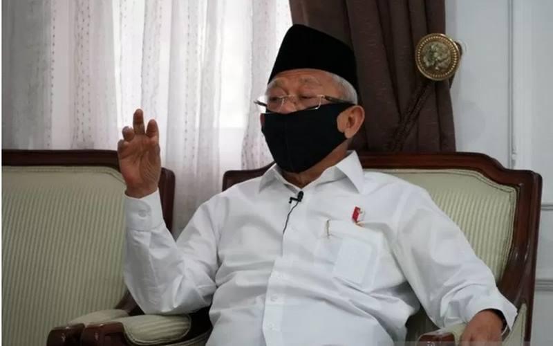 Wakil Presiden Ma'ruf Amin memberikan pernyataan pers lewat telekonferensi dengan wartawan dari rumah dinas wapres di Jakarta, Senin (8/6/2020) - Antara