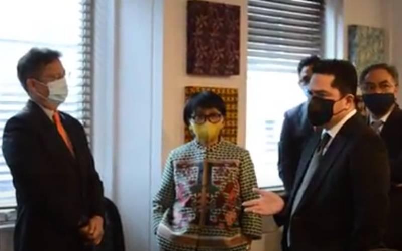 Menlu Retno Marsudi dan Menteri BUMN Erick Thohir saat berada di London - Video Kemlu