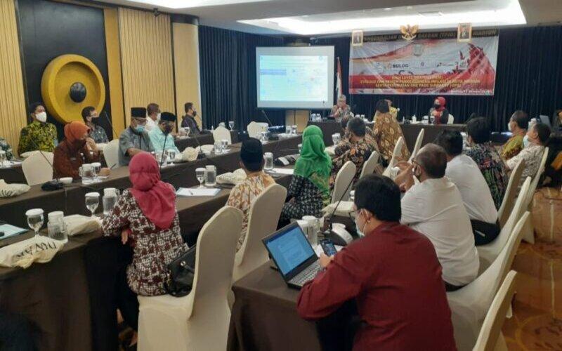 Wali Kota Madiun, Maidi bersama sejumlah pejabat Pemkot mengikuti rapat koordinasi bersama Kantor Perwakilan Wilayah Bank Indonesia Kediri di Hotel Aston Madiun, Kamis (15/10/2020). - JIBI/Abdul Jalil
