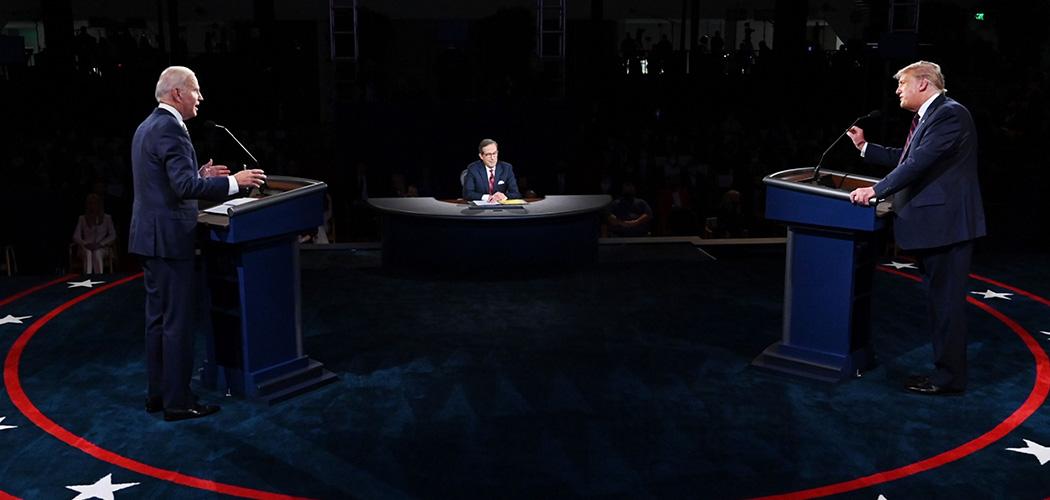 Debat antara Presiden AS petahana, Donald Trump dengan penantangnya, Joe Biden, dari Partai Demokrat di Ohio, Selasa (29/9/202).Bloomberg/AFP - Olivier Douliery