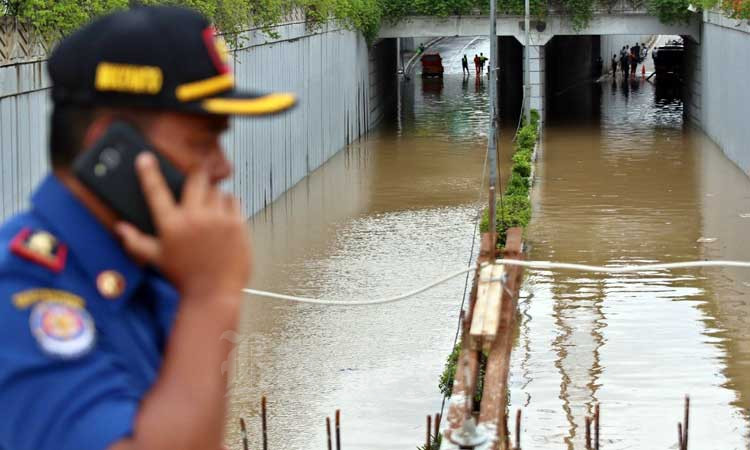 Banjir menggenangi Underpass Senen di Jakarta, Selasa (25/2/2020). Bisnis - Eusebio Chrysnamurti