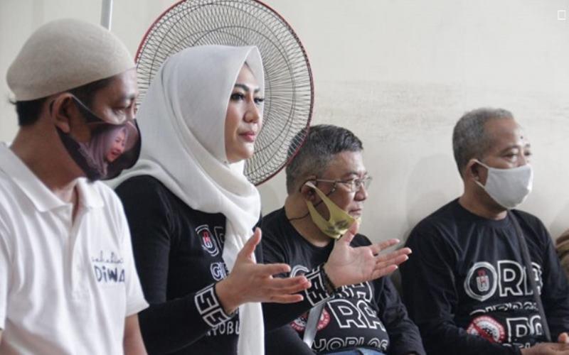 Diah Warih memimpin rapat timnya di Posko Diwa Center, Jl Tentara Pelajar Nomor 108 Blok C Solo, Sabtu (17/10/2020). - Istimewa