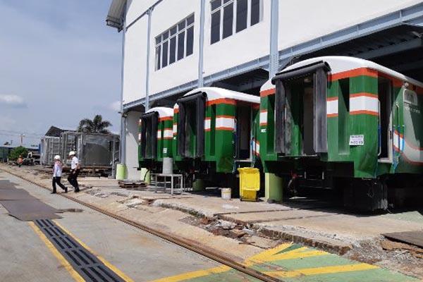 Kegiatan pembuatan kereta Api di PT INKA (Persero) di Madiun, Jawa Timur,  Selasa (15/1/2019). - Bisnis/Agne Yasa