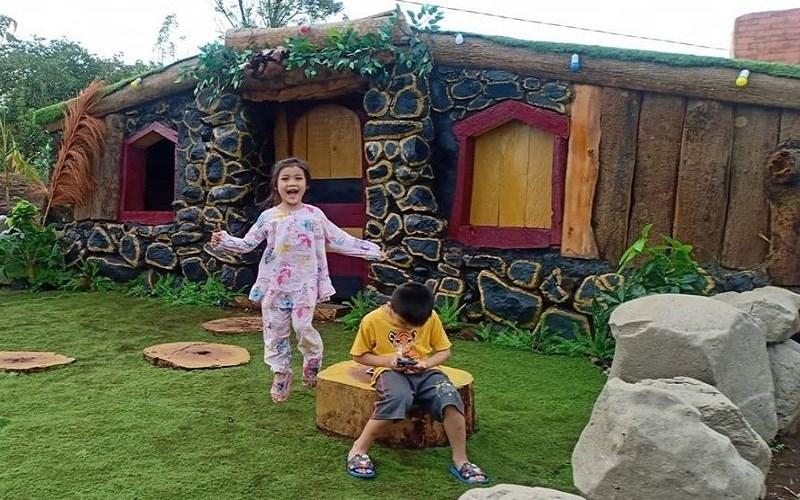Rumah Hobbit Bollangi di Dusun Bollangi, Desa Timbuseng, Kecamatan Pattallassang, Kabupaten Gowa - Istimewa