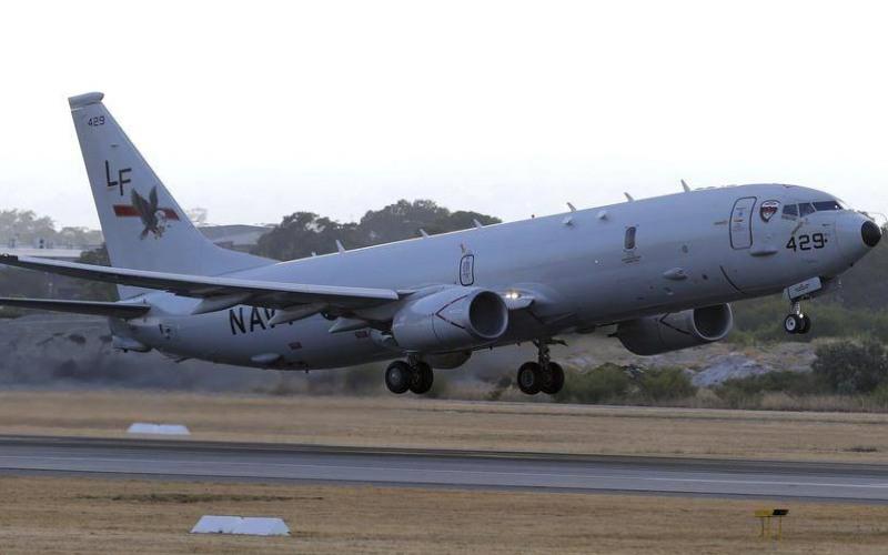 Salah satu pesawat pengawai pantai P-8 Poseidon milik AS. - Sumber: AP Australia